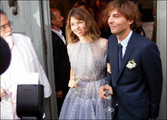 Le 27 août 2011, à Bernalda en Italie, Sofia Coppola épouse Thomas Mars, du groupe Phoenix, dans la propriété du père de la réalisatrice. Quel est son nom ?