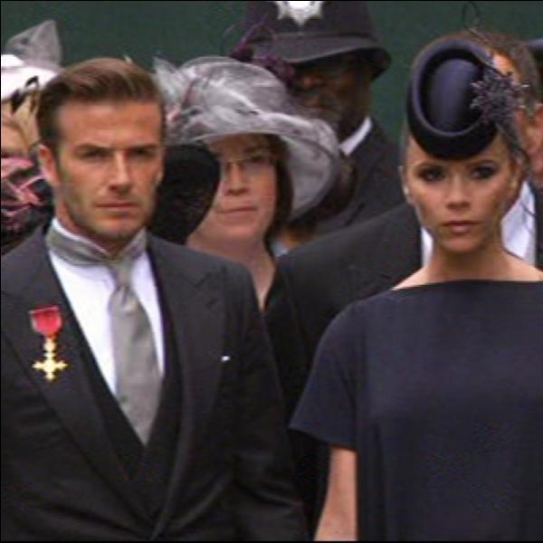 Quand ils se marient le 4 juillet 1999, Victoria et David Beckham négocient les photos avec l'hebdomaire brittanique OK ! Pour ...