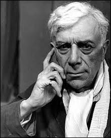 Né à Argenteuil (Val-d'Oise) le 13 mai 1882 et décédé à Paris le 31 août 1963. Artiste-peintre et sculpteur, je suis avec Picasso l'un des initiateurs du  cubisme . Je peins surtout des compositions animées, figures, intérieurs, natures mortes, paysages. Peintre de collage et graveur, je m'inscris dans un premier temps dans le mouvement fauviste. On me doit des œuvres comme  La rose noire  (1927).