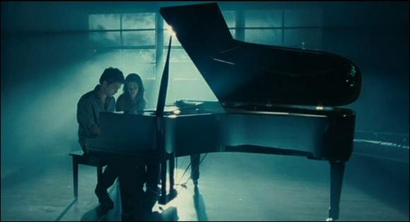 Twilight (1) : Comment s'appelle la chanson qu'Edward joue au piano ?