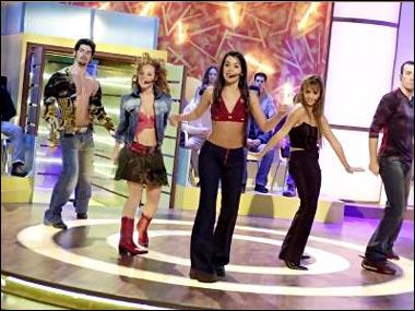 Dans la série qui est le manager du groupe Upa Dance ?