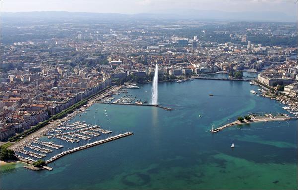 Quelle est cette ville dont le jet d'eau haut de 140 mètres est le symbole ?