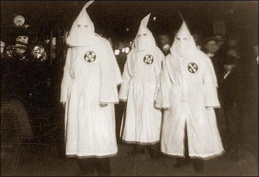 Qu'est-ce que le Ku Klux Klan ?