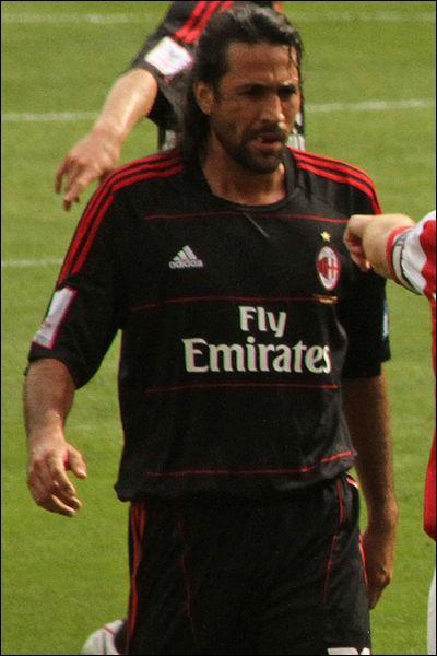 Qui est ce footballeur colombien ?
