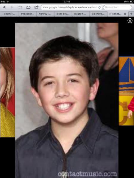 Comment se nomme ce jeune garçon ?