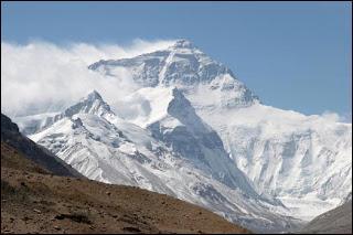 De quelle nationalité était Edmund Hillary, premier vainqueur de l'Everest ?