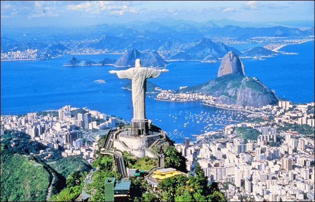 Qui a donné le nom de Rio de Janeiro au site où s'élève aujourd'hui la ville ?