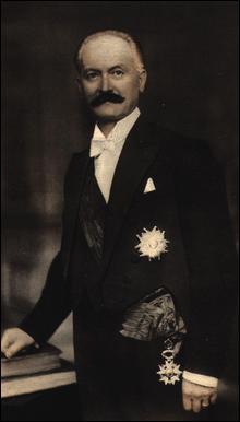 Pour affermir son autorité, Pétain fit arrêter plusieurs dirigeants de la IIIe République. Lequel ne fut pas arrêté ?