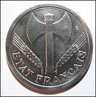 Quelle était la devise du régime de Vichy ?
