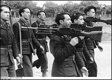 Comment appelle-t-on l'organisation politique et paramilitaire du régime de Vichy, qui peut être considérée comme la police politique de ce régime et qui était chargée de traquer les juifs et tout opposant éventuel à la collaboration ?