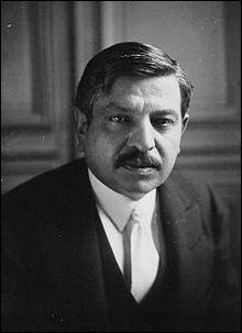 Qui était le principal collaborateur (après Pétain) du régime de Vichy, connu pour avoir été plusieurs fois chef du gouvernement ? Il sera fusillé en 1945.