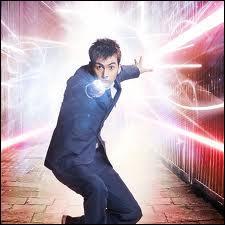 Qui joue le rôle du 10 ème Doctor Who ?