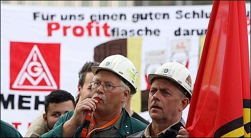 En RDA, sous quel nom le KPD et le SPD fusionnent-ils ?