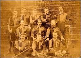 Quand a été créé le premier club de hockey sur gazon ?