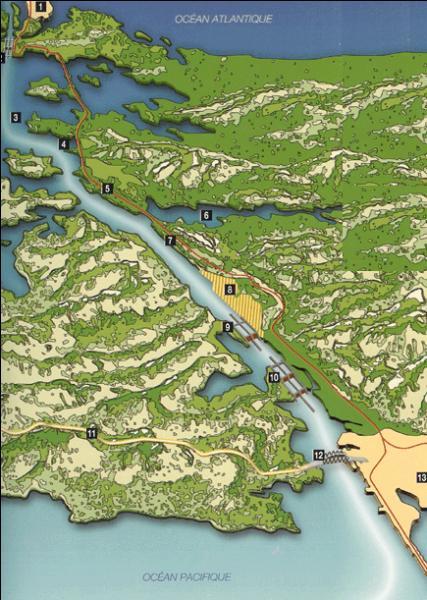 Quel canal relie t-il les Caraïbes à l'Océan Pacifique et permet ainsi d'éviter de contourner l'ensemble du continent américain par le Sud ?