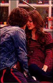Dans quel épisode de la saison 1 Beck et Tori se sont-ils embrassés ?