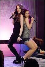 Quelle chanson Jade West et Cat Valentine ont-elles chantée au Karaoké Dokie ?