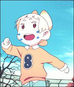 De quelle couleur sont les yeux du petit garçon (Q n°8) ?
