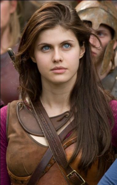 Là-bas, Percy rencontre celle qui deviendra par la suite une fidèle alliée et une grande amie.