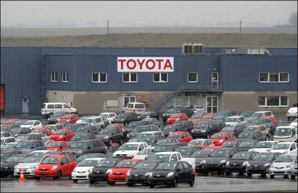 Quel est le premier producteur de véhicules motorisés au monde en 2012 ?