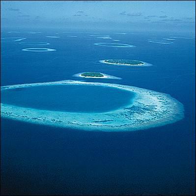 Quel archipel n'est pas situé dans l'Atlantique ?