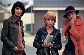 Dans quelle comédie, sortie en 1973, Jacques Higelin donne t-il la réplique à Annie Cordy et Marthe Keller ?