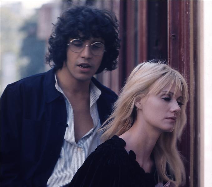 Dans quel film apparaît Julien Clerc en 1976, aux côtés de Miou-Miou, sa compagne de l'époque ?