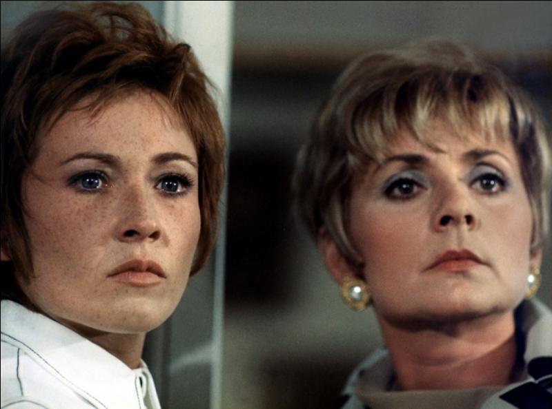 Plutôt confinée dans des rôles de  rigolote , Annie Cordy se révèle dans un rôle de composition dans le film culte de René Clément sorti en 1970. Quel en est le titre ?