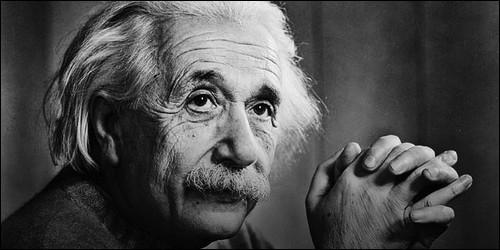 Dans quel pays Albert Einstein a suivi un cursus universitaire, plutôt brillant ?
