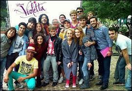 Dans  Violetta , qui de sa famille est morte ?