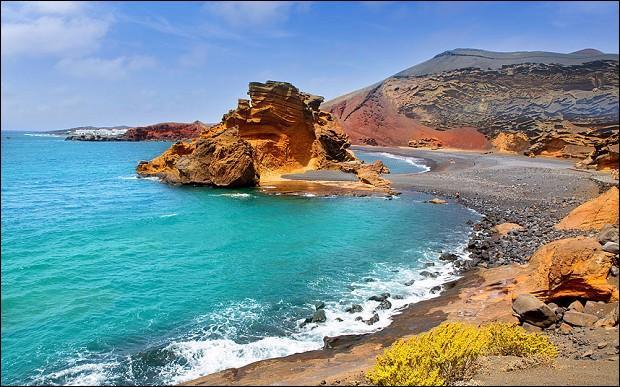 Par quel océan est baignée l'île de Lanzarote ?