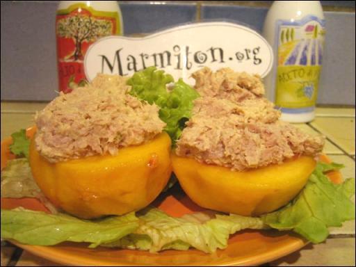 Quel fruit est accompagné avec du thon pour faire un plat que l'on mange lors d'un repas froid ?