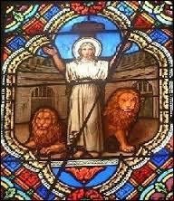 La sainte  Blandine  a été martyrisée dans quelle Ville ?