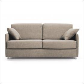 De quelle couleur est ce canapé ?