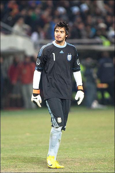 Monaco a trouvé un autre gardien. Il a 26 ans, il s'agit de Sergio Romero. Dans quel club évoluait-il auparavant ?