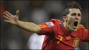 Le buteur David Villa quitte la Catalogne et le FC Barcelone. Il rejoint l'Atlético Madrid pour un transfert estimé, hors bonus, à...