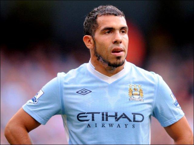Carlos Tévez quitte Manchester City, avec 73 buts au compteur en 148 matchs joués. Il jouera la saison prochaine...