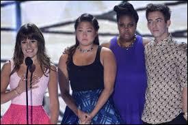 Lea Michele rend hommage à son bien-aimé lors des :