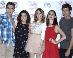 Qui sont les amis de Violetta dès le début ?
