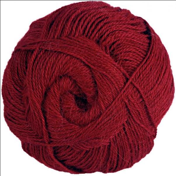 De quelle couleur est la pelote de laine qui donne un indice à Poirot ?