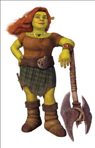 [Shrek 4] (**) Comment est Fiona dans le monde du nain, par rapport au monde réel ?