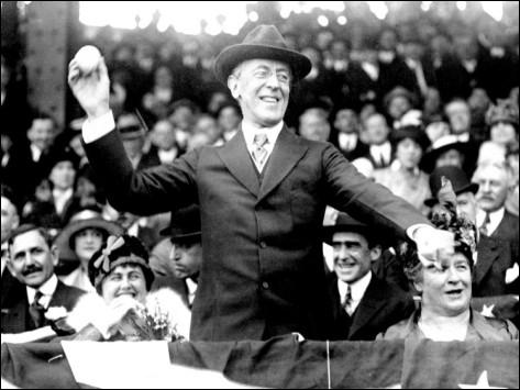 Quelles sont les visées principales des 14 points énoncés par le président Wilson devant les Congrès des Etats-Unis ?