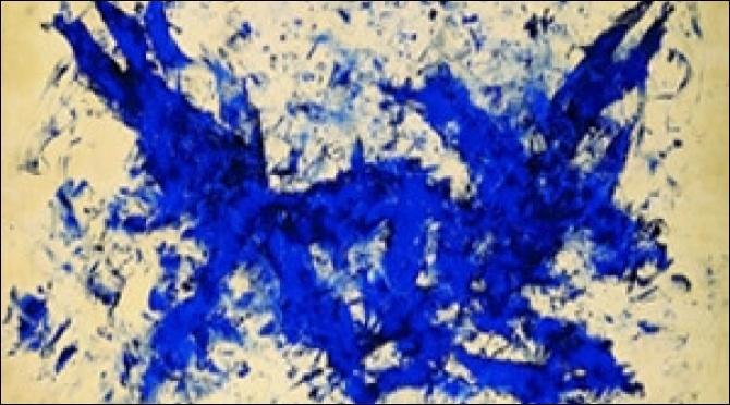 Plasticien français connu pour son  bleu  et ses monochromes.
