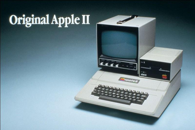 L'Apple II fut construit et vendu en 1977, ce fut :