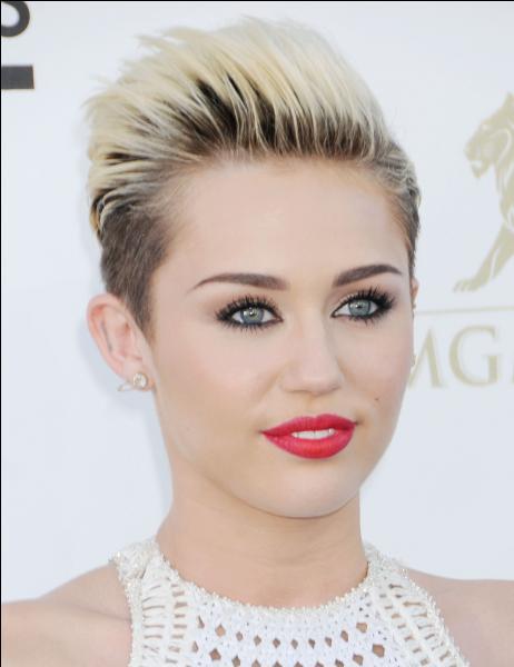 Comment appelle-t-on les fans de Miley Cyrus ?