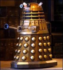 Le cri de guerre des Daleks est-il  Exterminer !   ?