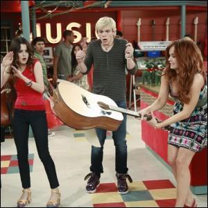 Pourquoi Jessie casse-t-elle la guitare ?