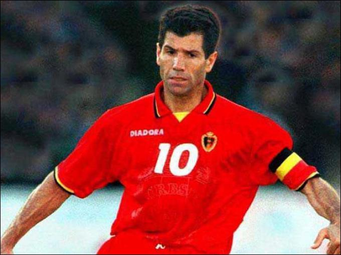 Pour quel club l'ancien milieu offensif belge Enzo Scifo n'a-t-il jamais joué ?