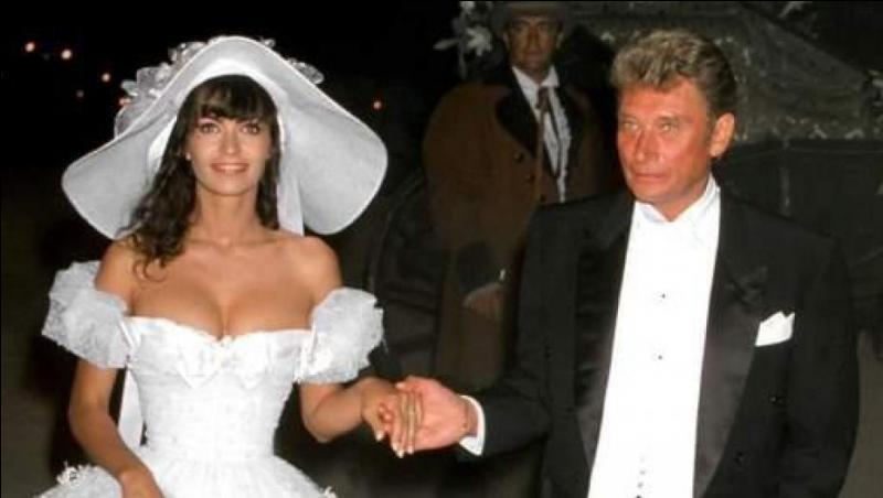 D'une citation anonyme : Beaucoup d'hommes doivent leur succès à leur première femme, et leur deuxième femme ...