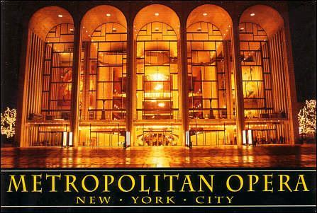 En plus de sa bourse, le vainqueur du tournoi gagne deux places pour une représentation au Metropolitan Opéra de New York.